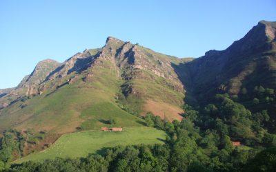 Randonn es au pays basque et dans les pyren es for Entretien jardin urrugne
